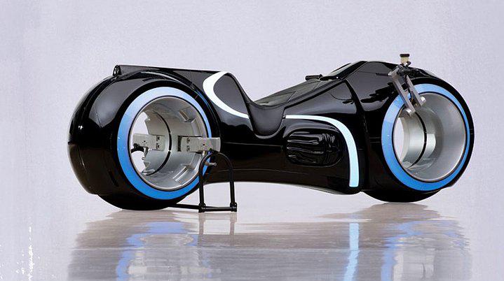 15. TRON Light Cycle – 77 Bin Dolar